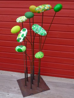 galet peint statue jardin sculpture jardin girouette. Black Bedroom Furniture Sets. Home Design Ideas